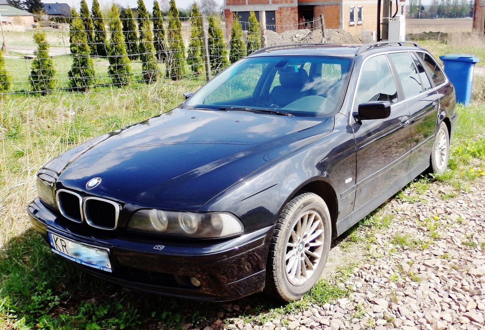 Modernistyczne Sprzedam 2002 BMW Seria 5, 3.0 diesel. Samochód osobowy,kombi YC07